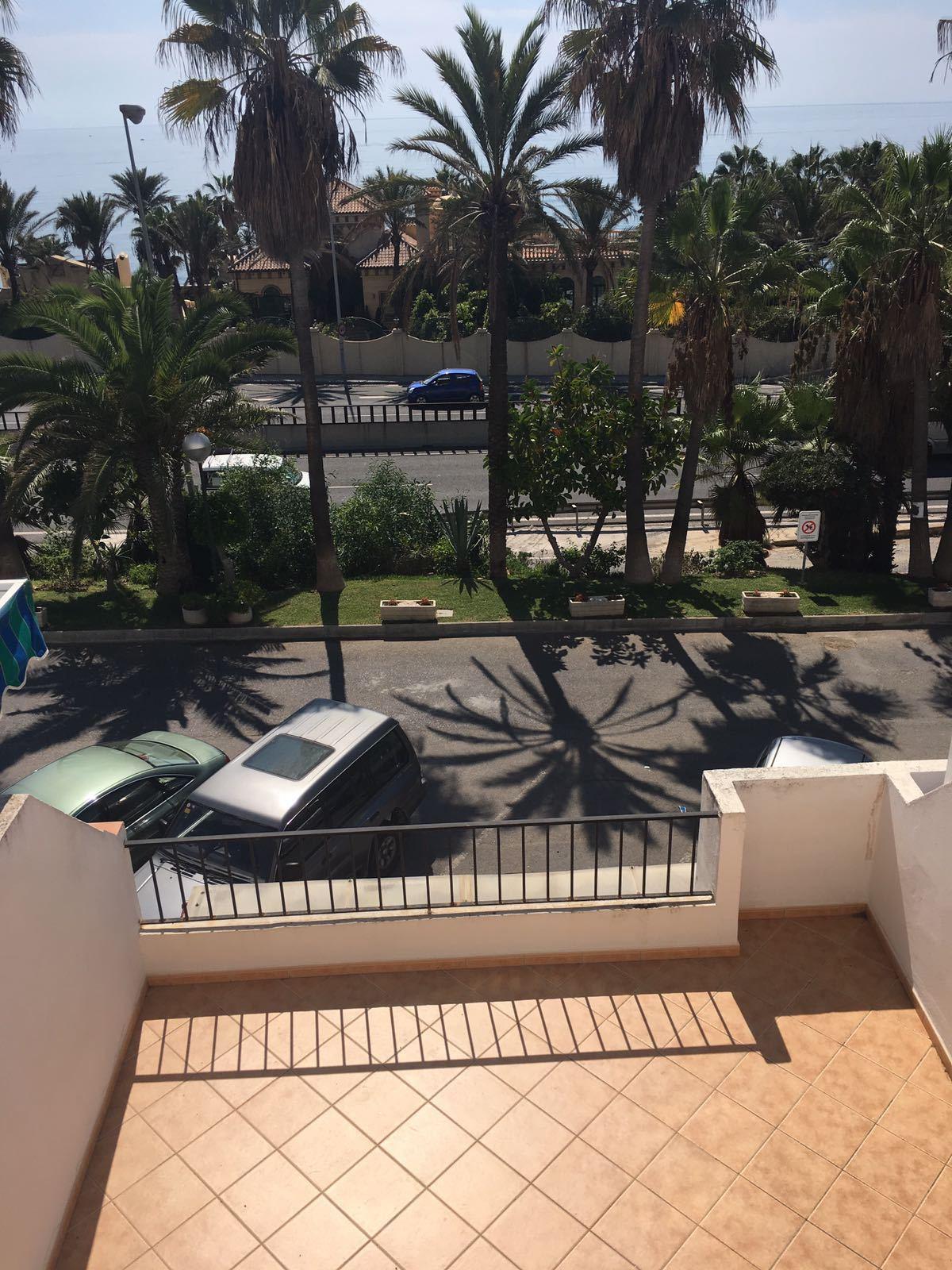 Terraced House - El Faro