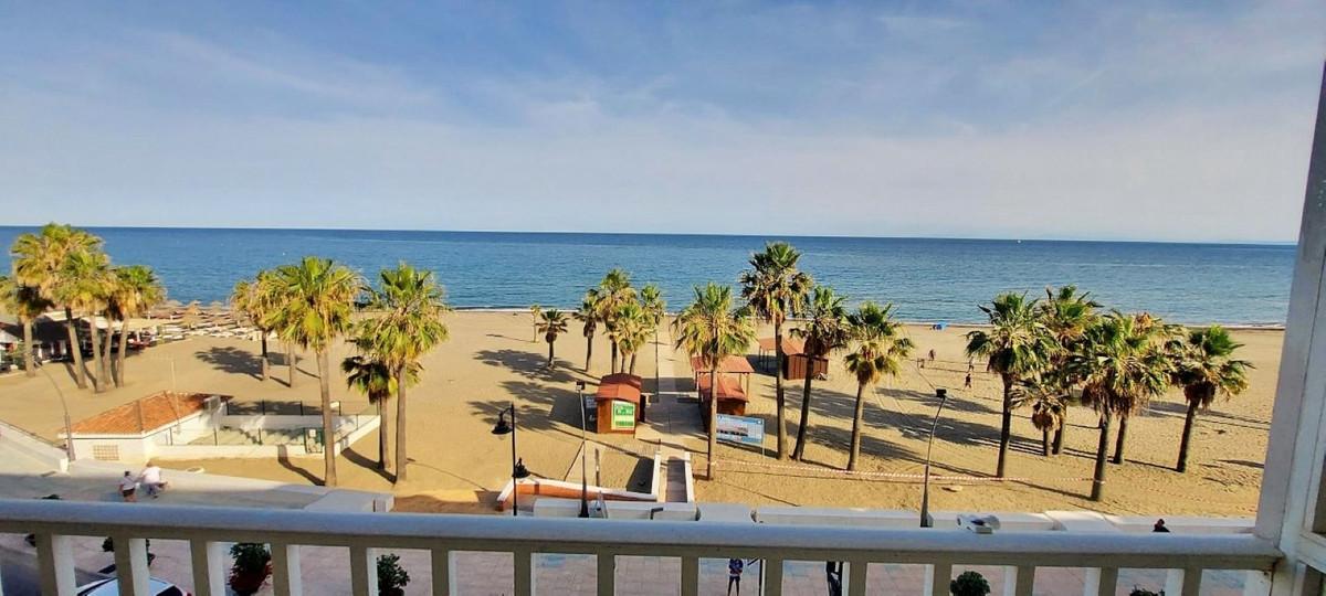 Middle Floor Apartment, Estepona, Costa del Sol. 3 Bedrooms, 2 Bathrooms, Built 127 m², Terrace 6 m²,Spain