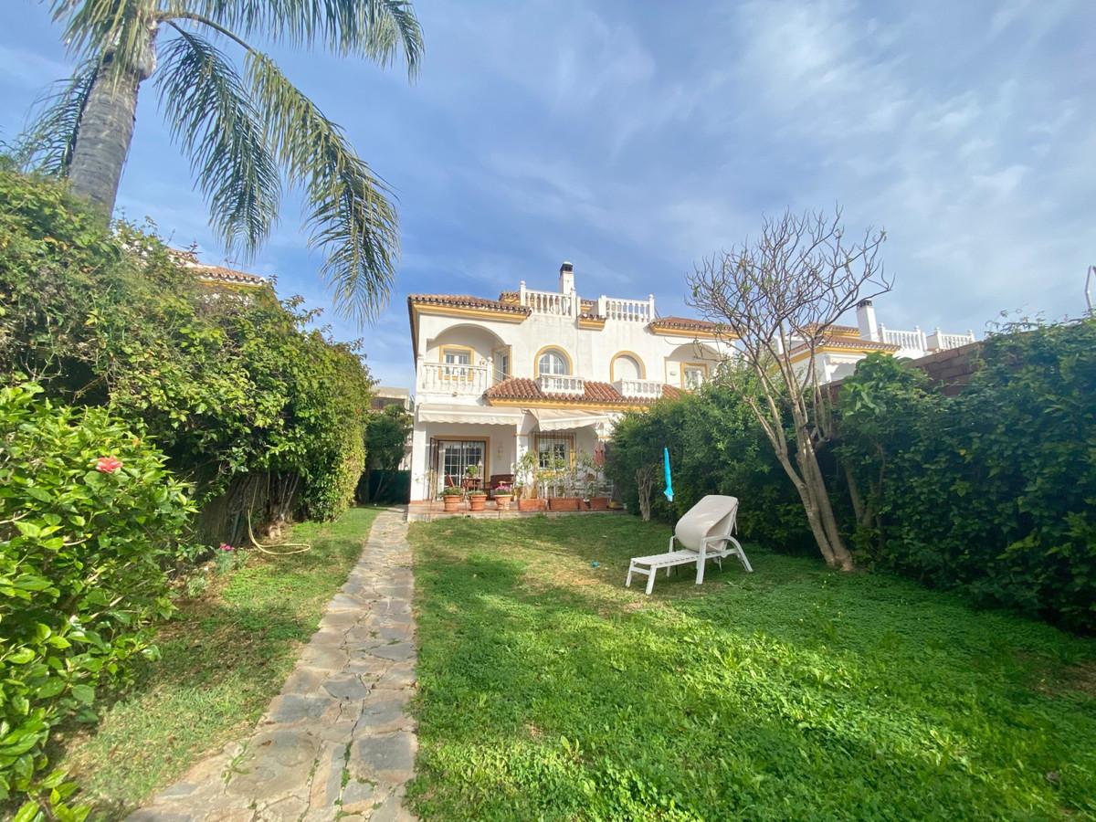 Villa  Pareada en venta   en The Golden Mile