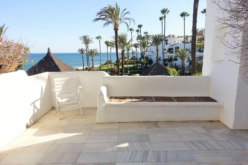 Frontline beach complex in Estepona with 7 swimming pools, nice gardens, tennis- paddel, children pl,Spain