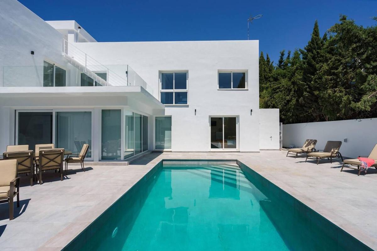 Villa - Chalet en venta en Nueva Andalucía R3835219