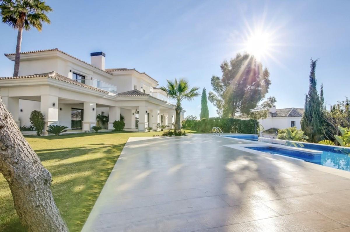 Villa 5 Dormitorios en Venta Sierra Blanca
