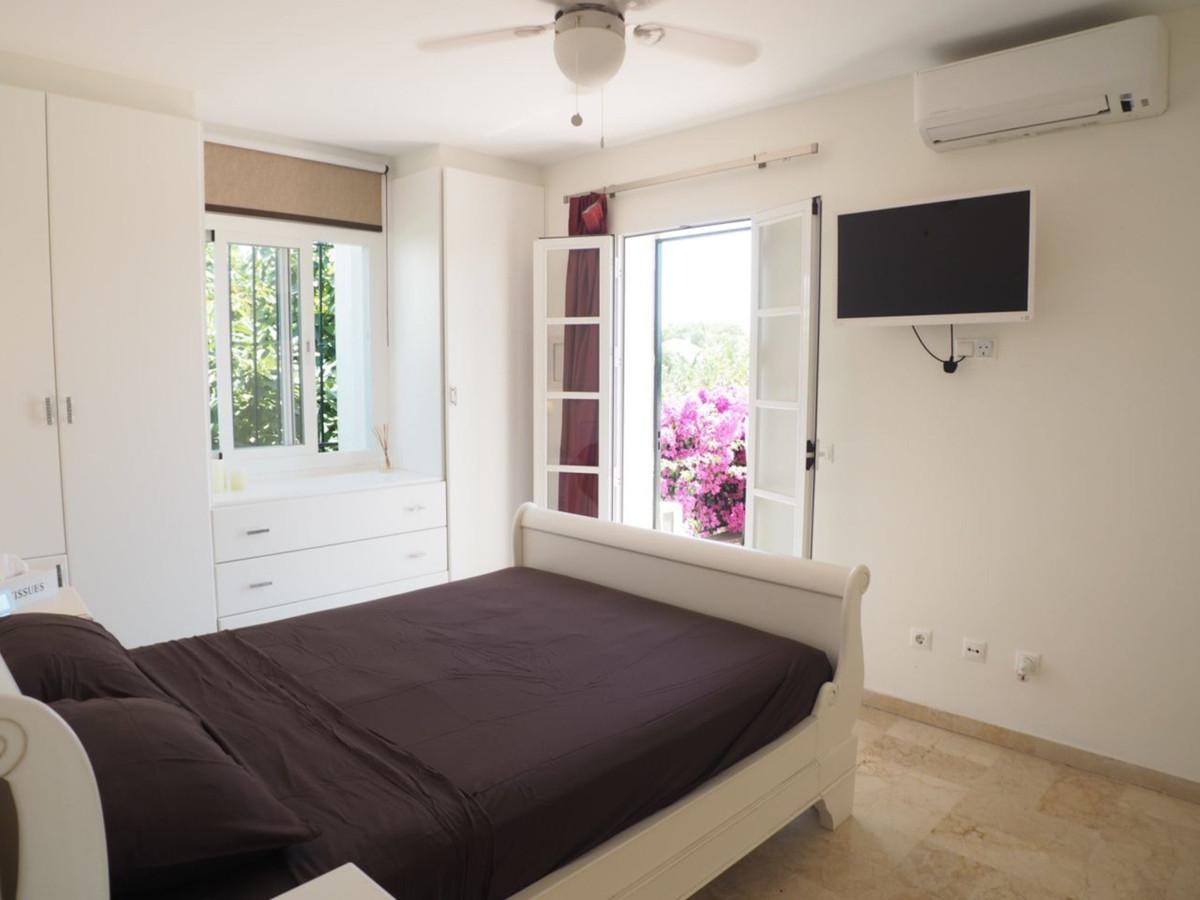 Villa con 3 Dormitorios en Venta Benamara