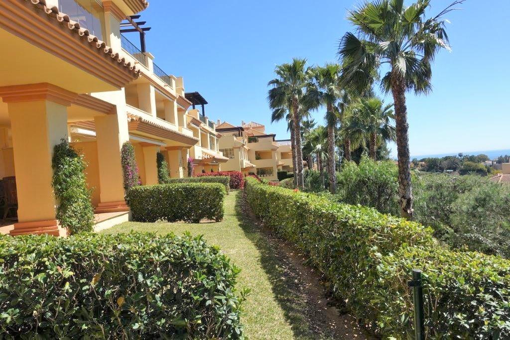 Ground Floor Apartment for sale in Nueva Andalucia - Nueva Andalucia Ground Floor Apartment - TMRO-R2762255