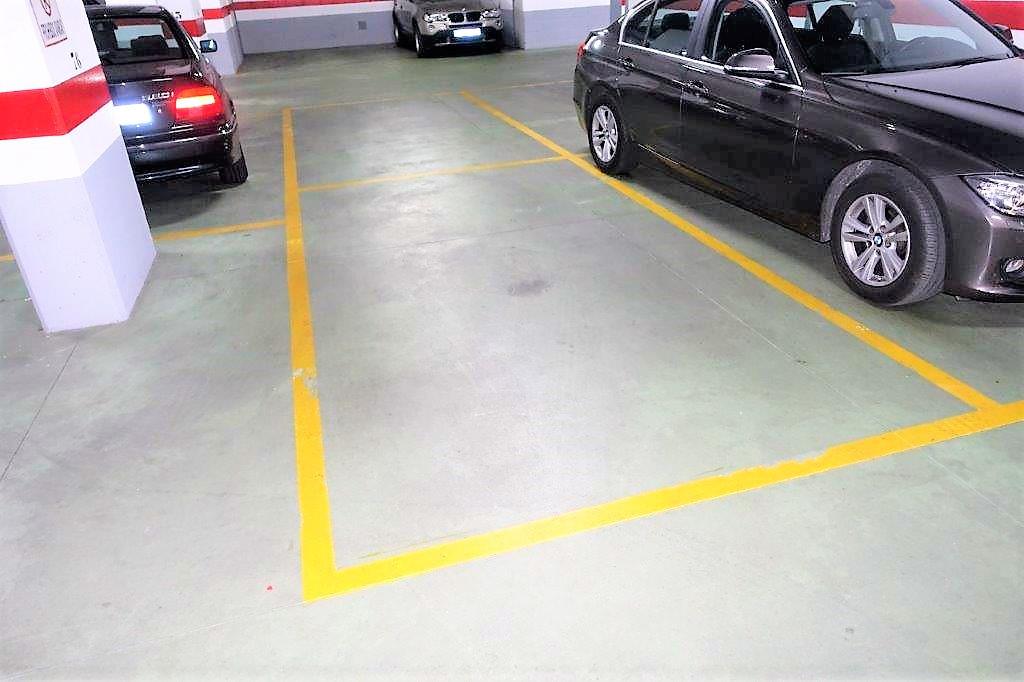 0 Bedroom Parking Space Commercial For Sale Puerto Banús