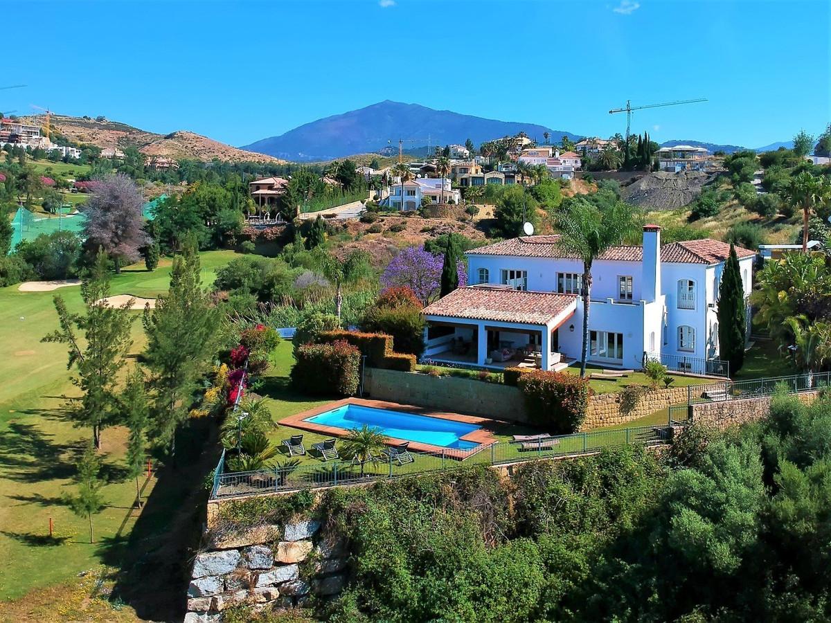 Villa  Independiente en venta  y en alquiler   en Benahavís