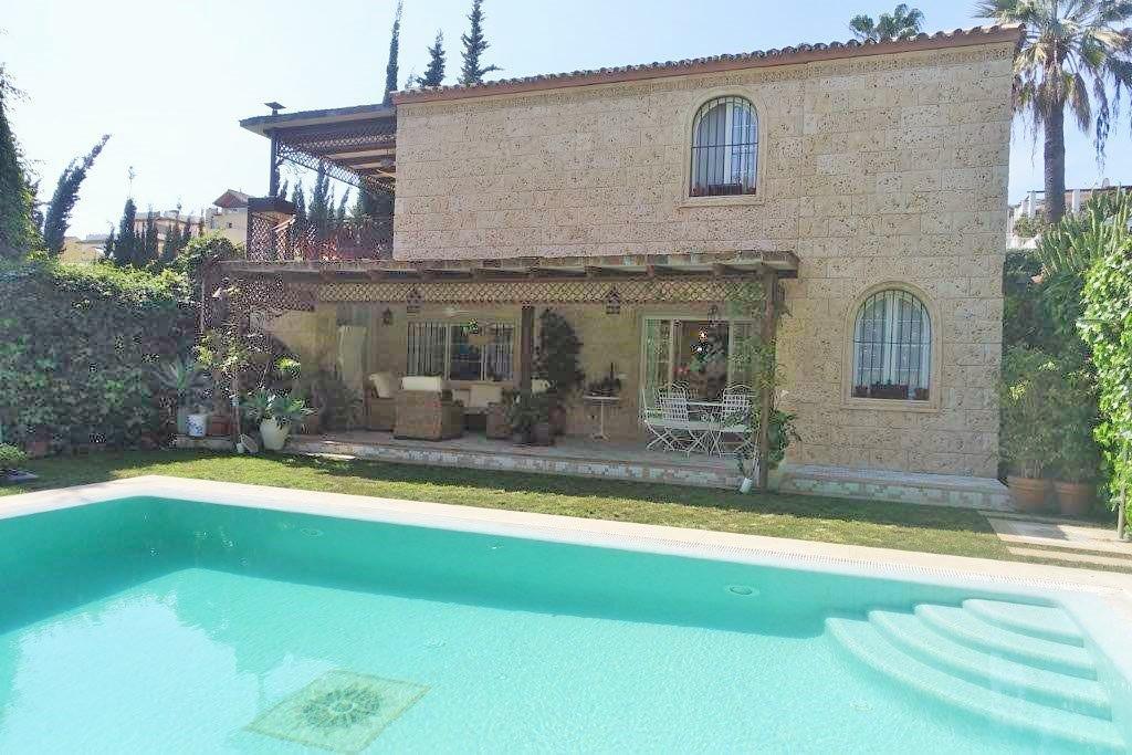 Beautiful Detached Villa in Nueva Andalucia. Detached Villa located in Nueva Andalucia, close to sho,Spain