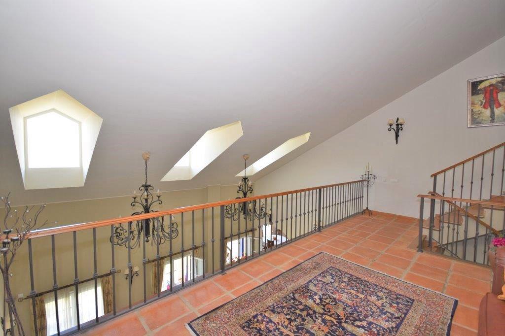 House in Istán R3206263 8