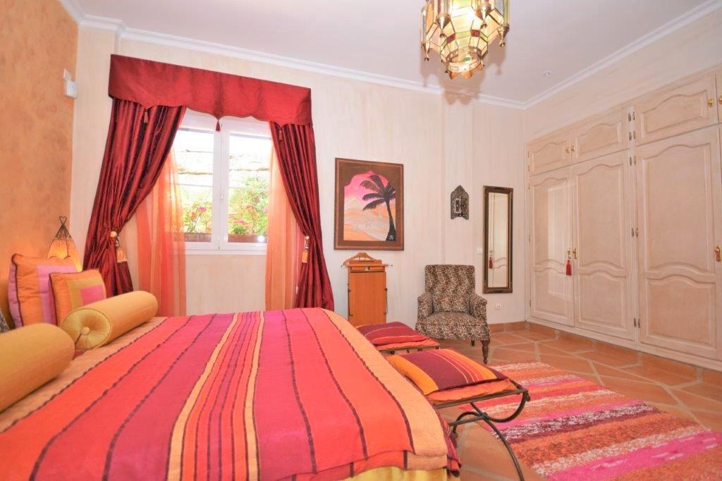 House in Istán R3206263 9