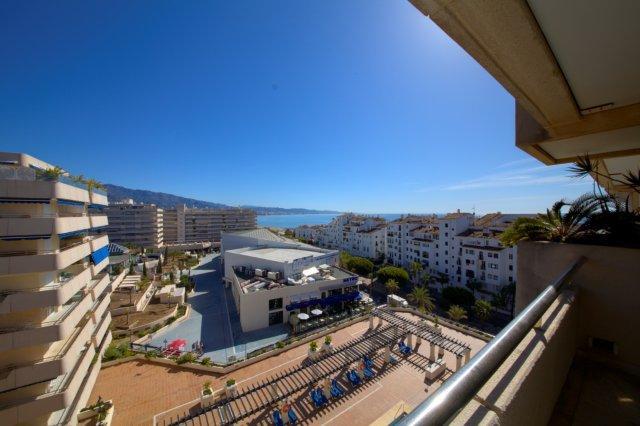 Apartamento  Planta Media en venta  y en alquiler   en Puerto Banús