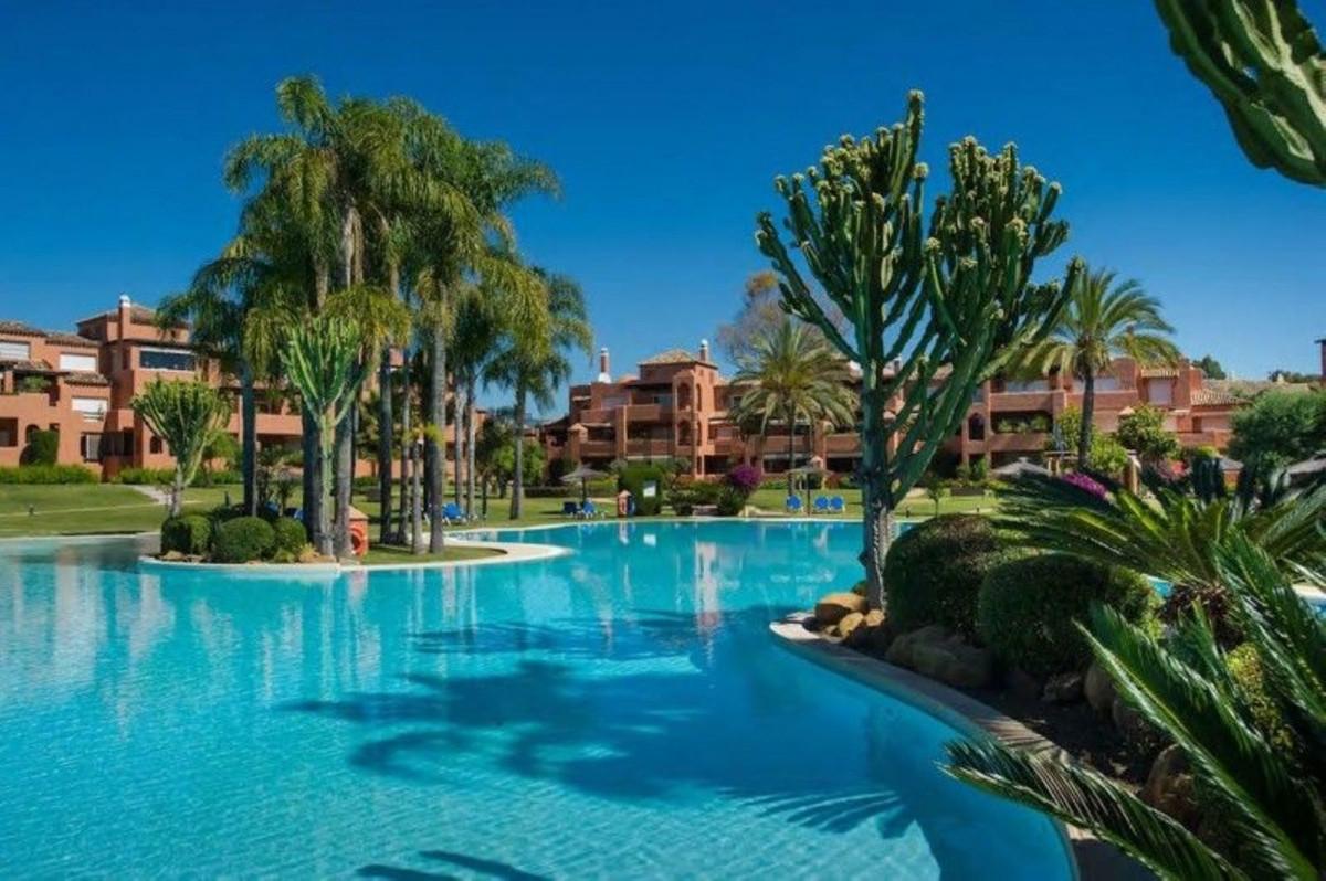 Piso en alquiler con 120 m2, 2 dormitorios  en Guadalmina (Marbella (M