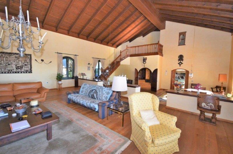 5 Bedroom Villa For Sale - La Zagaleta, Benahavis