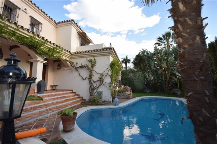 Villa for sale in Guadalmina Alta, San Pedro de Alcantara
