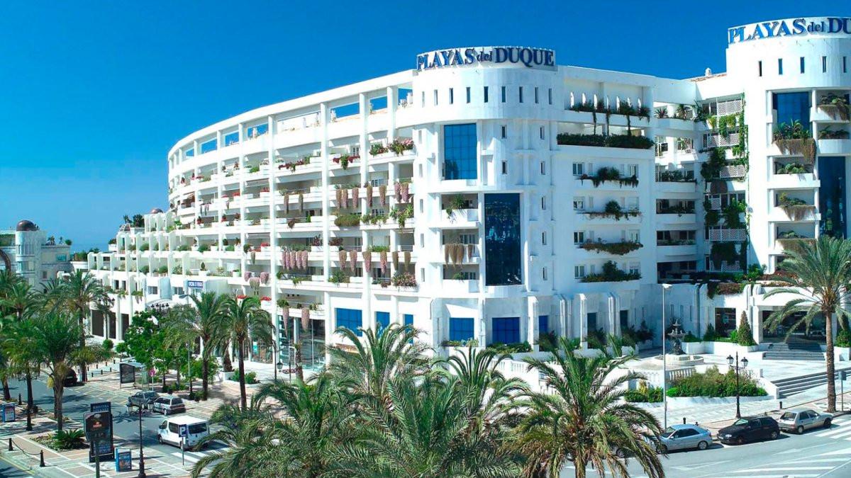 Best location - Puerto Banus. Fantastic luxury apartment in the presitious building Playas del Duque,Spain