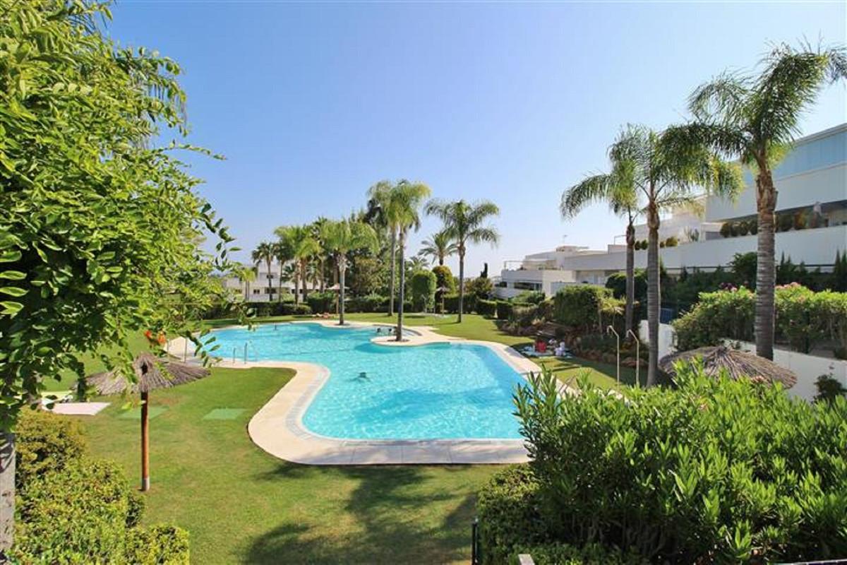 Ground Floor Apartment for sale in Nueva Andalucia - Nueva Andalucia Ground Floor Apartment - TMRO-R469245