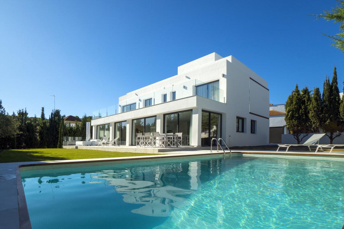 5 bedroom villa for sale nueva andalucia