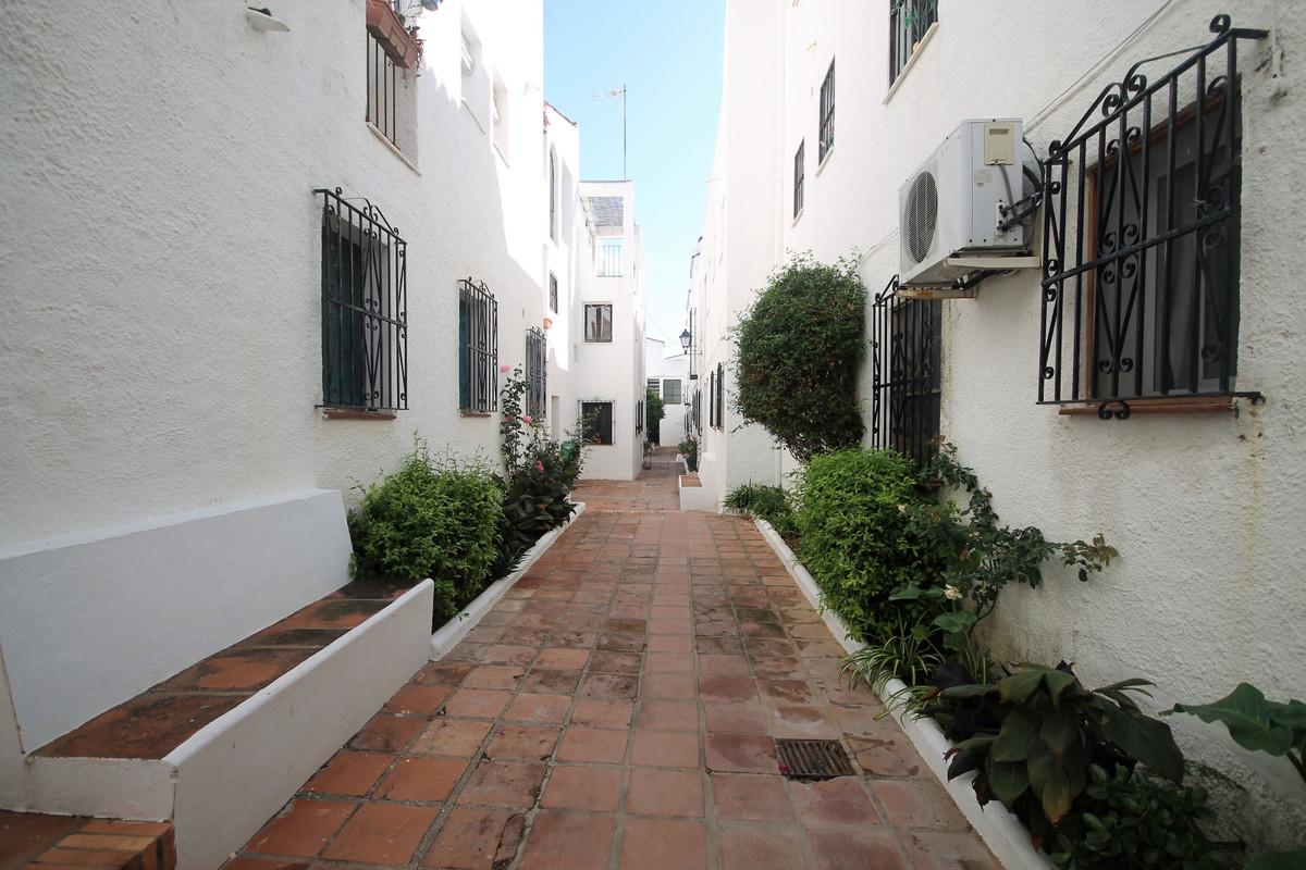 Apartment Middle Floor in San Luis de Sabinillas, Costa del Sol