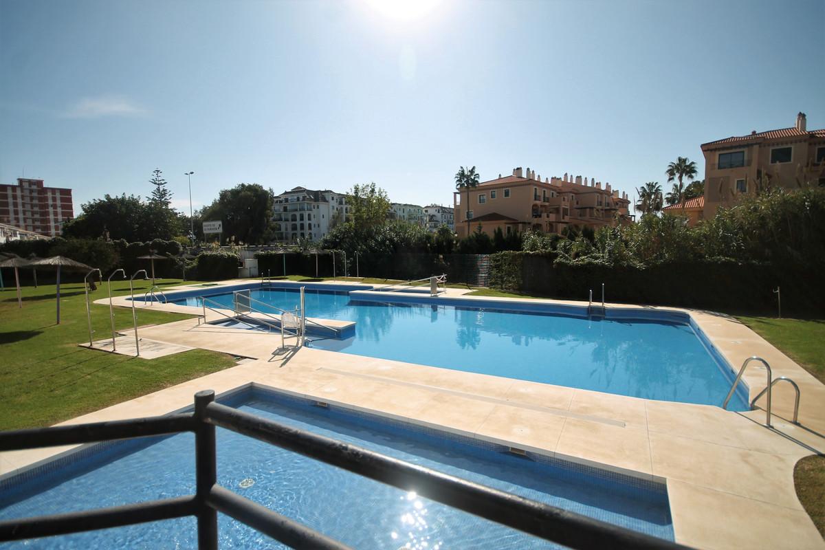 Appartement te koop in San Luis de Sabinillas R3688133