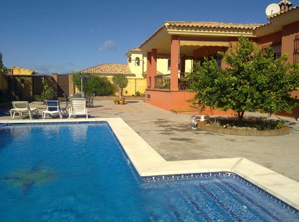 Villa - Chalet en venta en Marbella R3739528