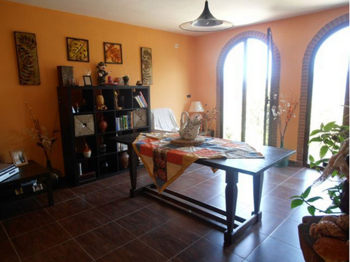 House in Algatocin R3651482 3