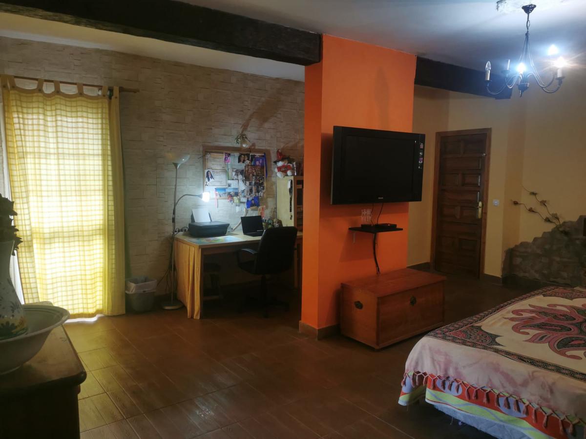 House in Alhaurín de la Torre R3759130 28