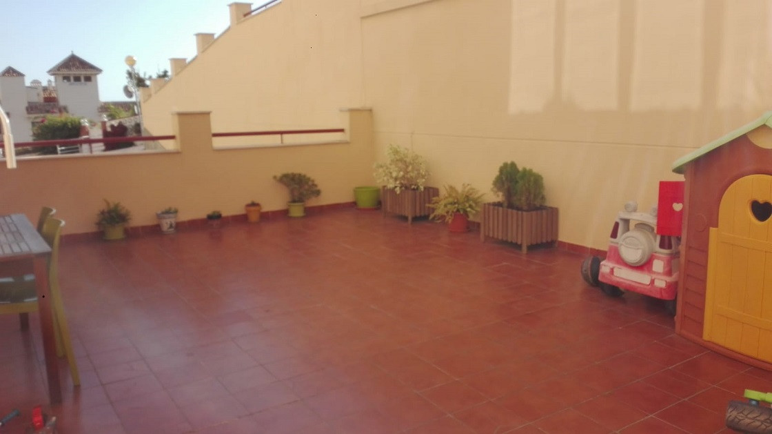 Beautiful apartment located 100m from the beach, near bus stop, health center and shopping area. It ,Spain
