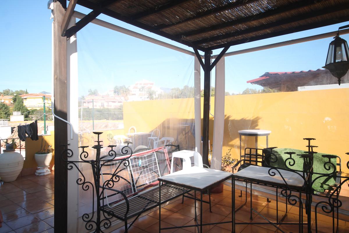 Penthouse, Estepona, Costa del Sol. 3 Bedrooms, 3 Bathrooms, Built 140 m², Terrace 50 m².  Setting :Spain