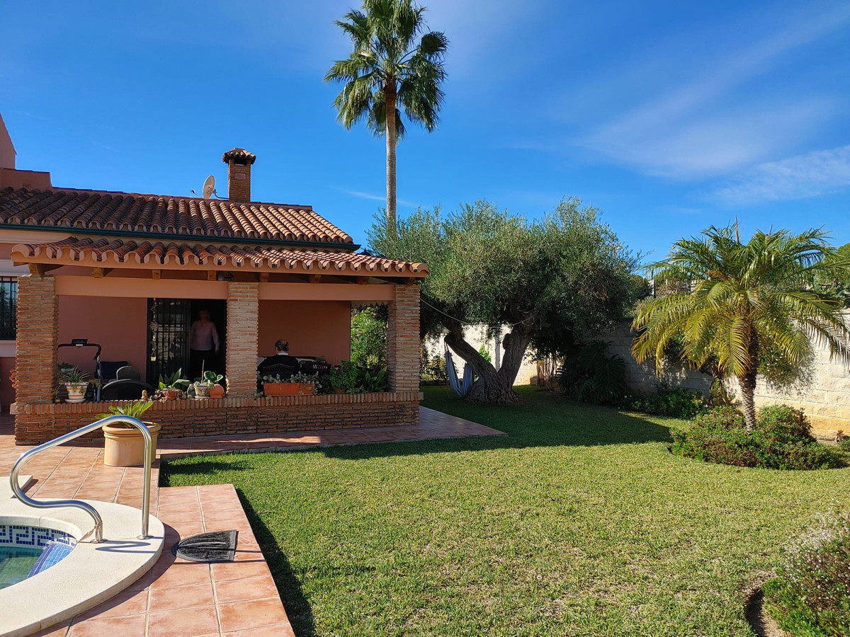 House in Alhaurín de la Torre R3768493 3