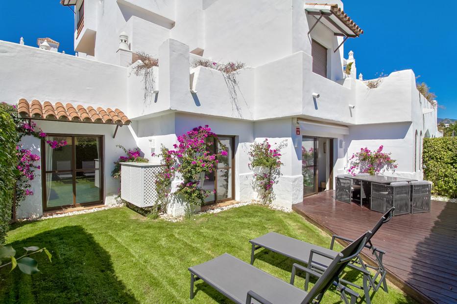 Apartment  Ground Floor for sale   in Estepona
