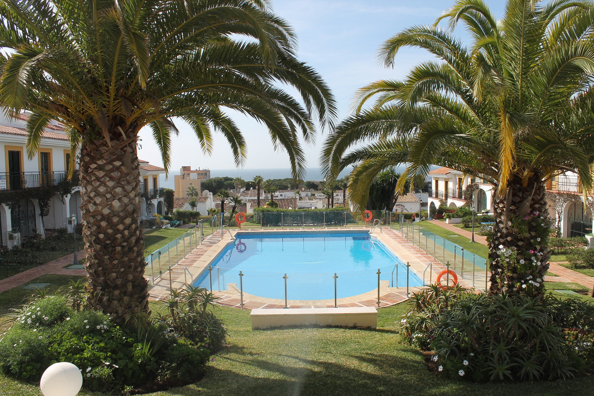 Apartment located 5 minutes walk from the beach 3 minutes walk from a supermarket, restaurants, bars,Spain