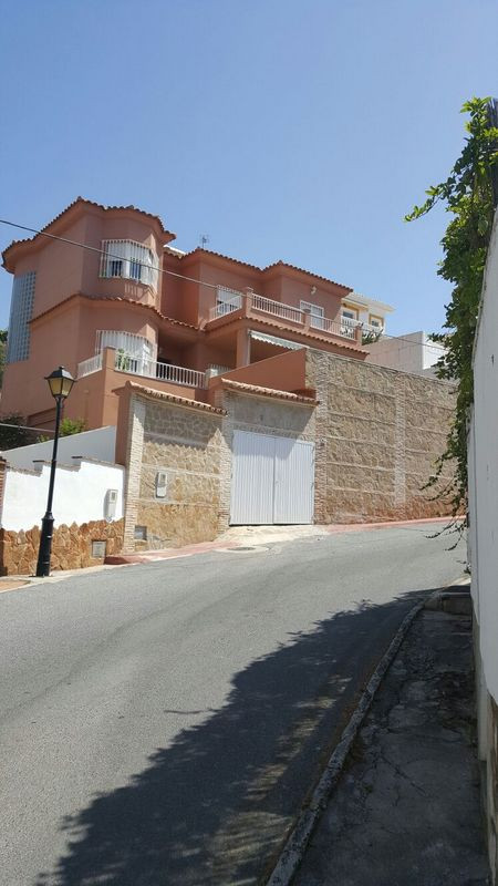 Price: 1838€/sqm : 272 sqm on a plot of 430 sqm Single family Home Land of 430 sqm 2 floors with 272,Spain