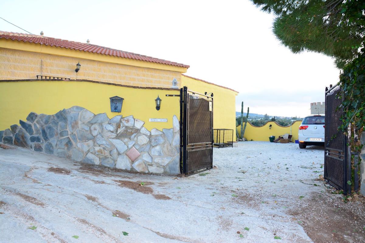 Hus in Alhaurín de la Torre R3328132 2
