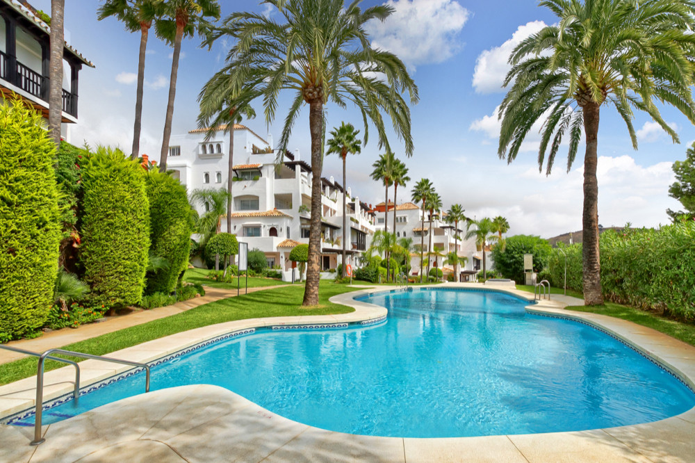 101 sqm Great apartment of 152 sqm located in Calahonda: 101 sqm built and 51 sqm terrace with panor,Spain
