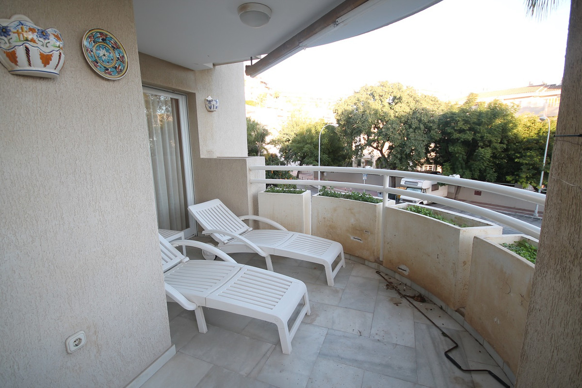 Lägenhet på mellanplan i Torremolinos R3314515