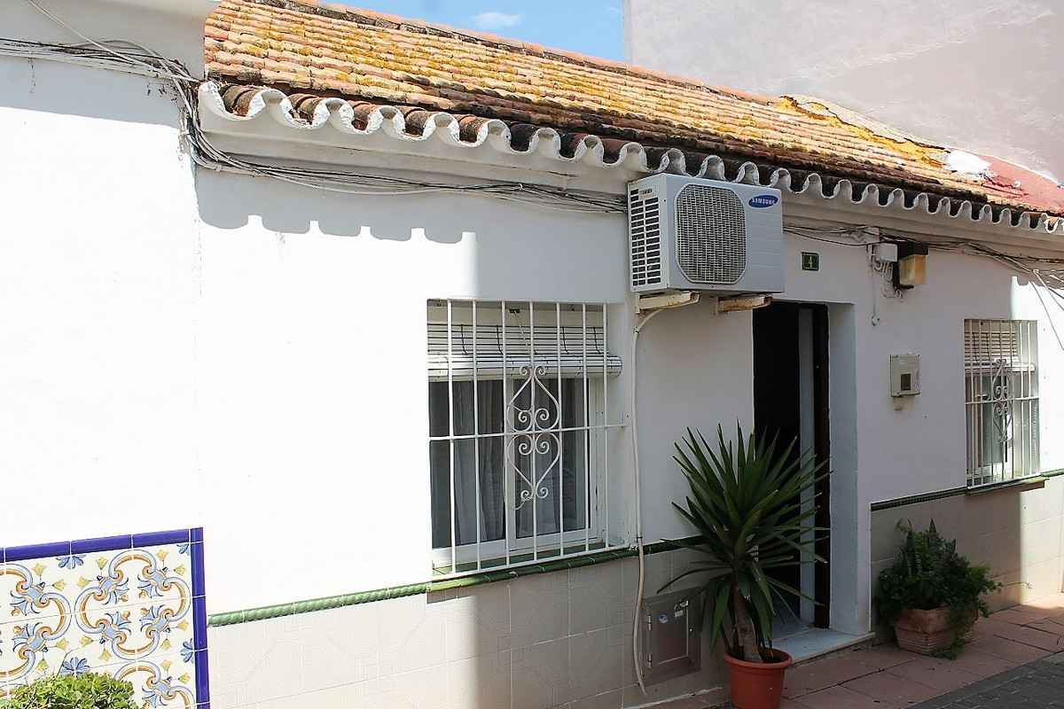High potential for a property developer or individual to make 4 apartments. Possibility to build 4 s,Spain
