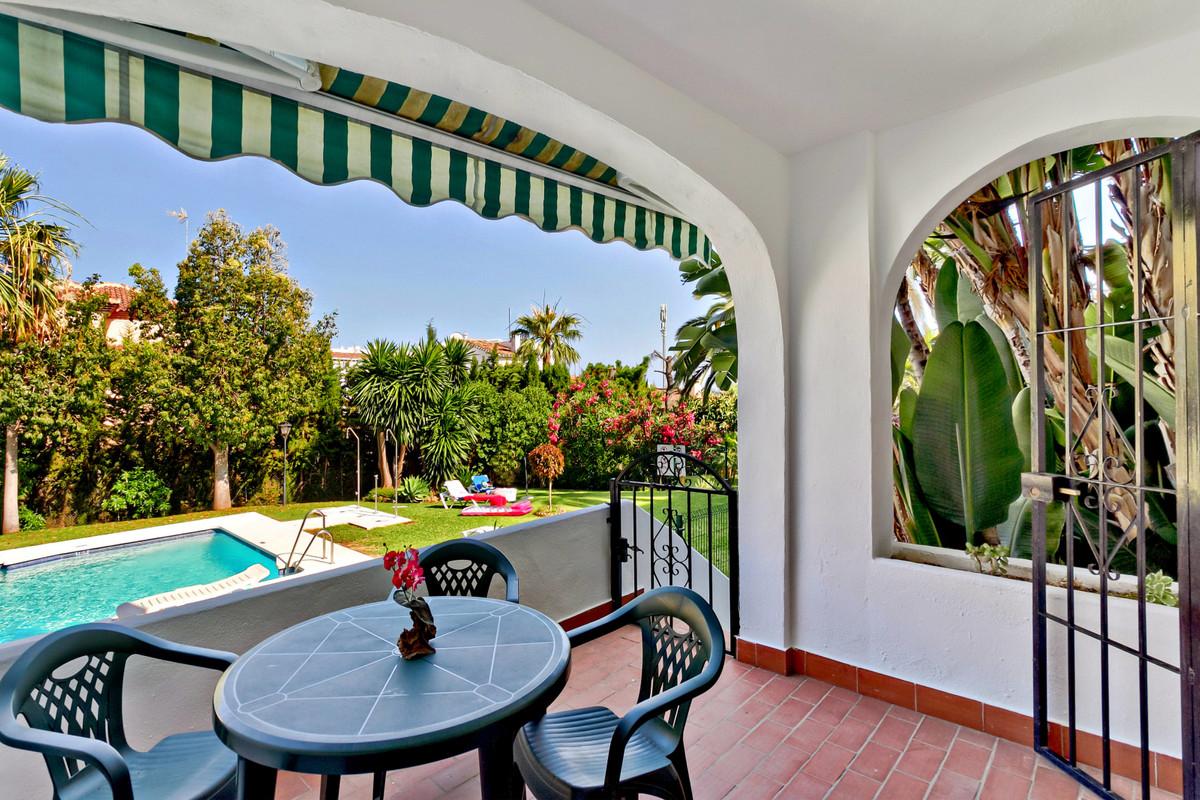 Ground Floor Apartment in Riviera del Sol. 2 Bedrooms, 1 Bathroom, Built 70 m², Terrace 10 m².  Smal,Spain