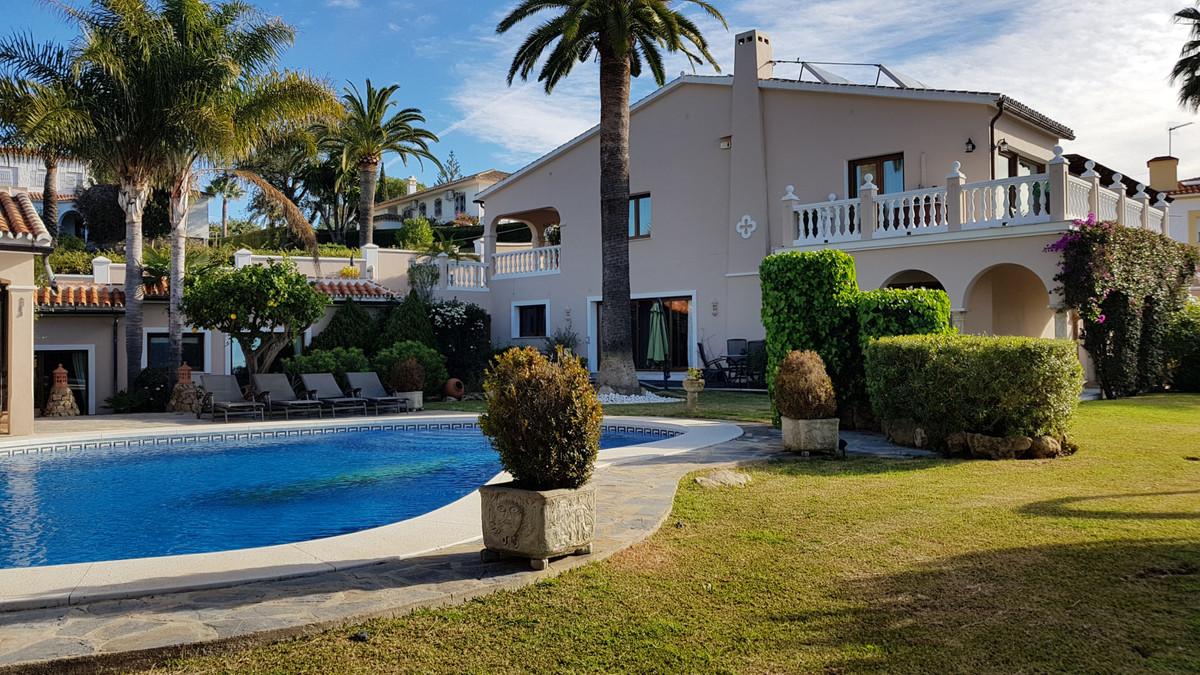 Villa Detached Elviria Málaga Costa del Sol R3680501