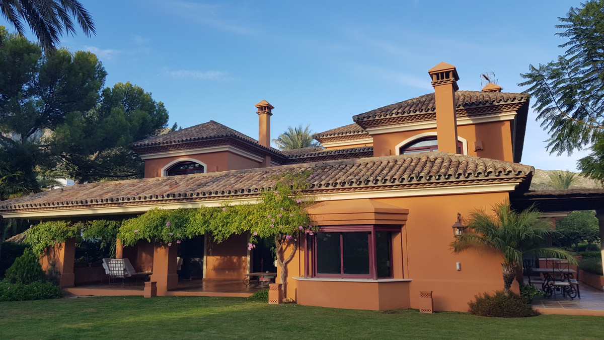 Villa  Detached for sale   in Sierra Blanca