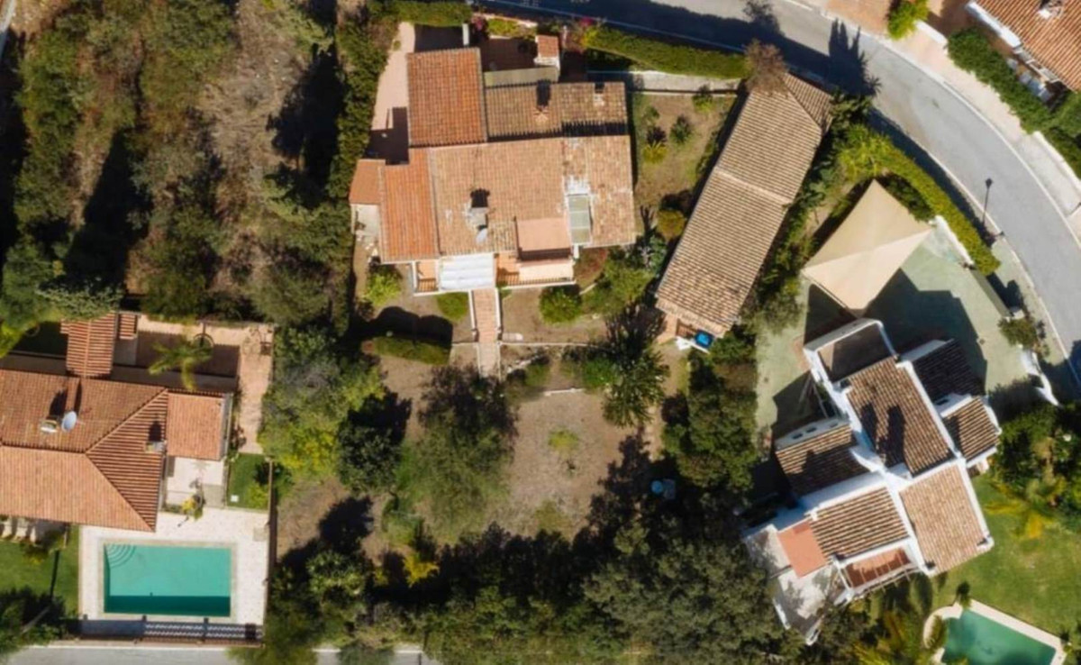 Villa in Elviria with a plot of more than 1000m to put a pool,Spain