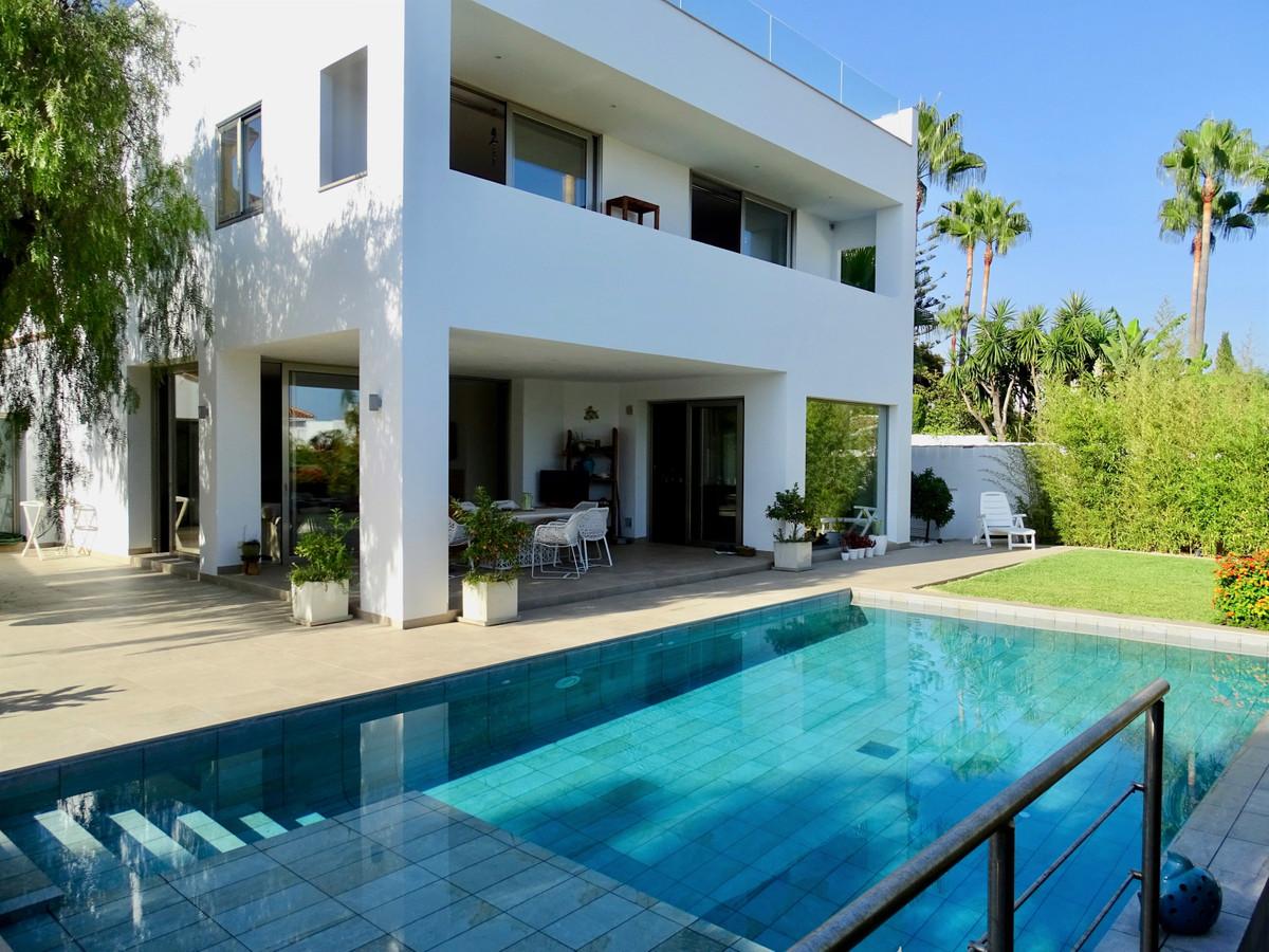 5 bedroom villa for sale marbella