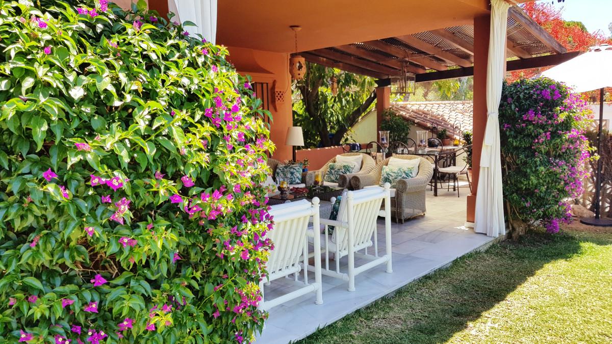 Villa - Chalet en venta en Marbella R3825895
