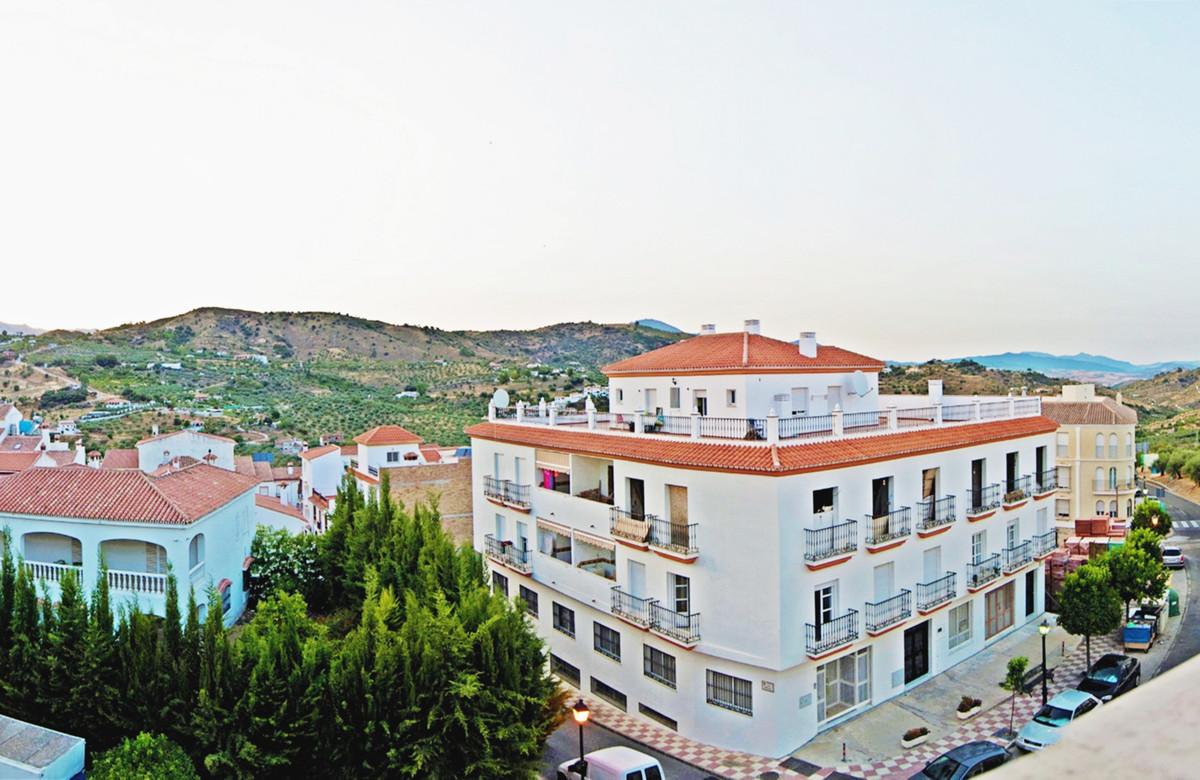 Top Floor Apartment for sale in Monda