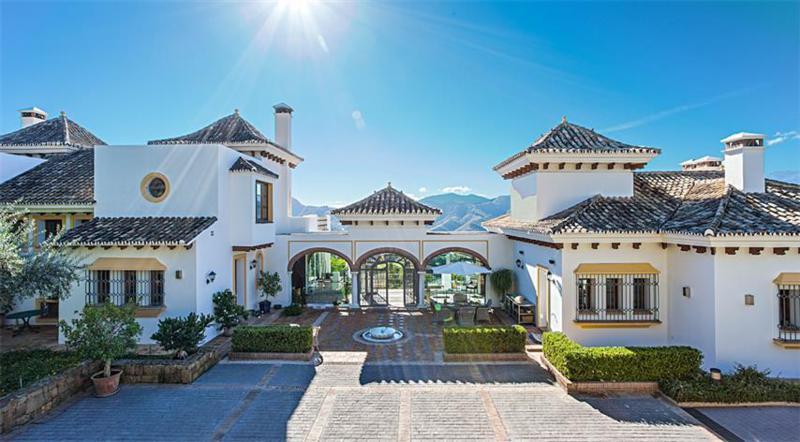 7 Bedrooms Villa For Sale - La Zagaleta