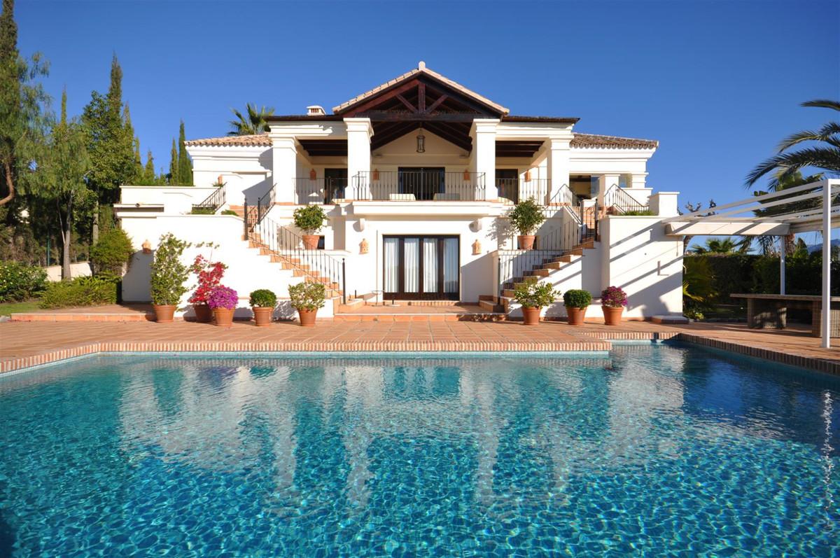 GORGEOUS WELL DESIGNED FAMILY HOME , PRESTIGIOUS GATED COMMUNITY SEA VIEWS, PARAISO  This gorgeous v,Spain