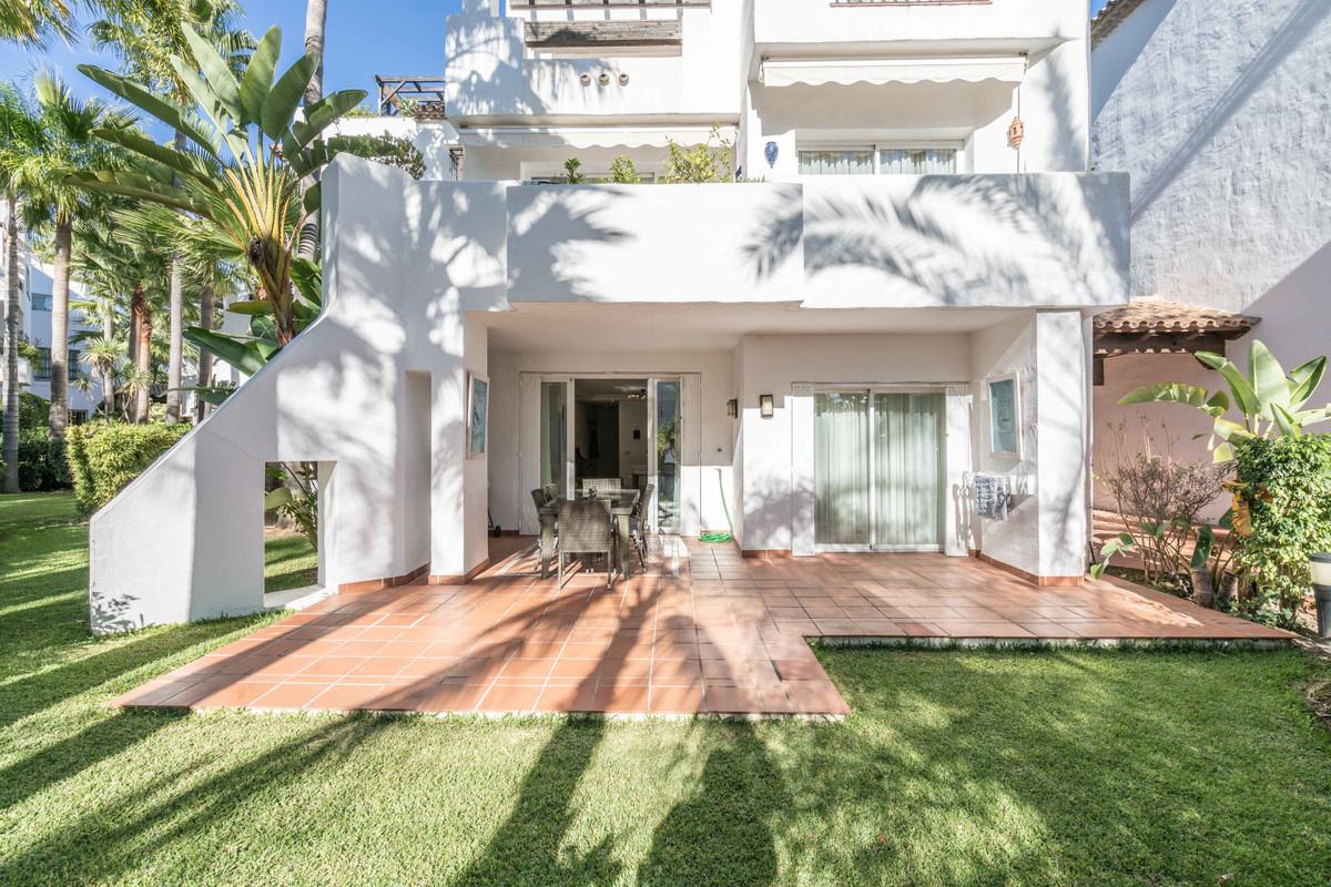 Apartamento Planta Baja en Puerto Banús