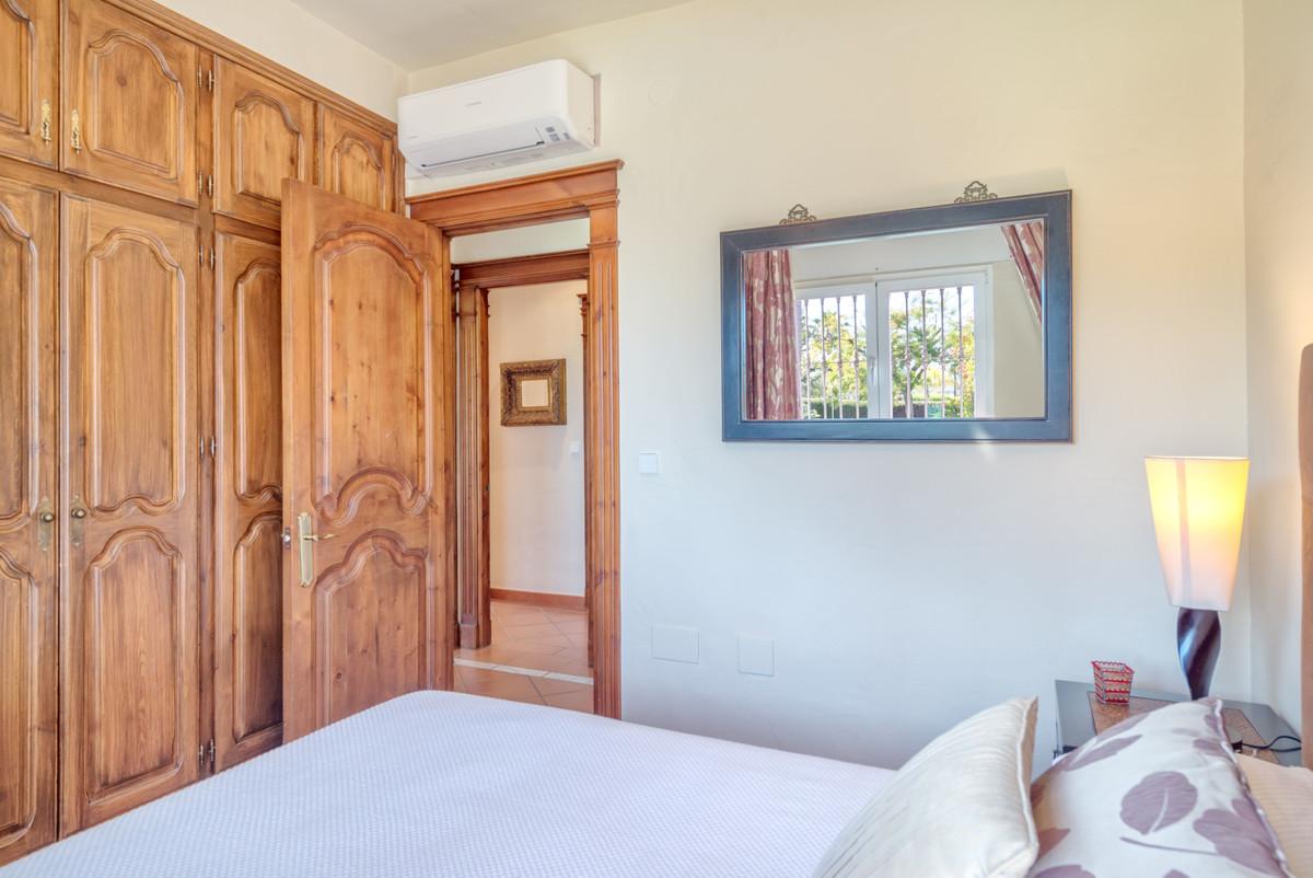 House in Alhaurín el Grande R3862486 10