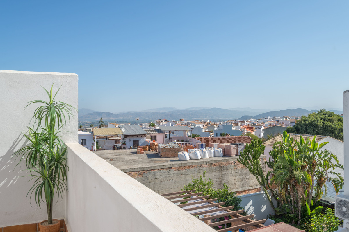 Are you looking for an apartment that does not need reform and to enter to live directly? Come and s,Spain