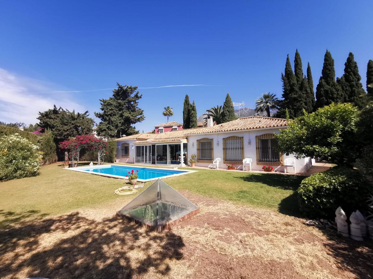 Vrijstaande Villa te koop in Marbella R3794716