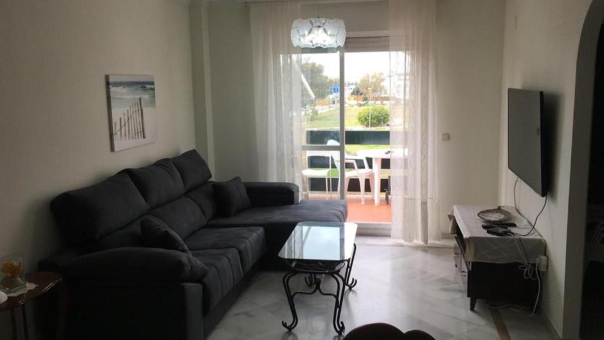 Fantastic apartment in the Lorcrimar urbanization, just 5 minutes from Puerto Banus  It consists of ,Spain