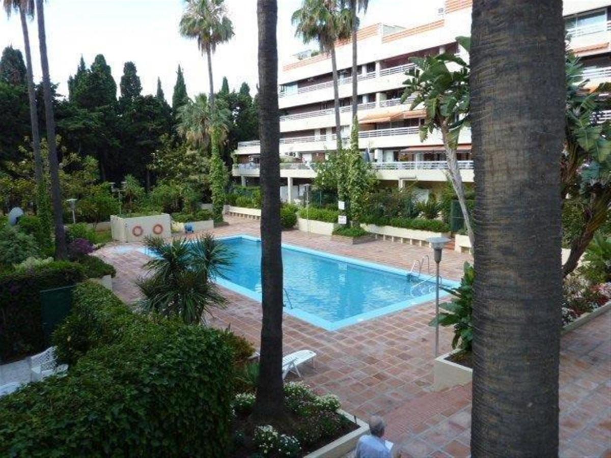 Middle Floor Apartment in Marbella